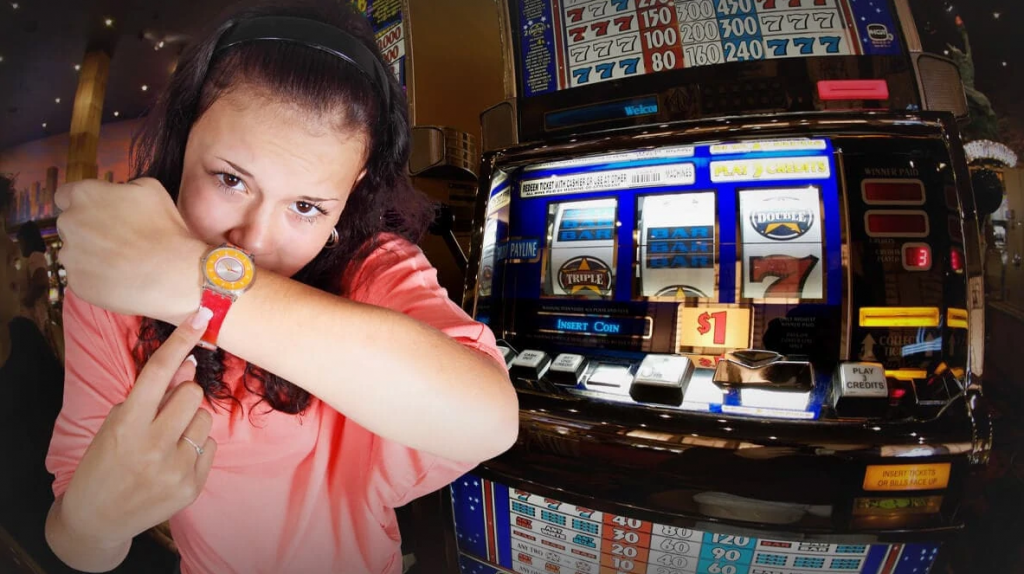 when is the best time to play online slots